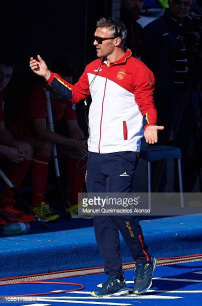 Frederic Soyez Coach of Spain reacts during the Men's FIH Field Hockey Pro League match between Spain and Belgium at Polideportivo Virgel del...