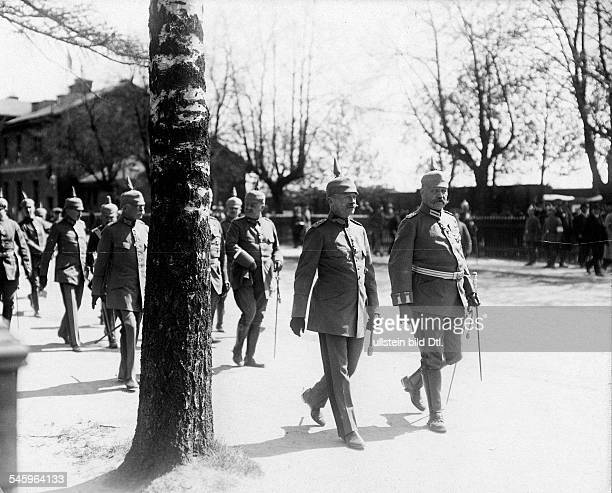 Frederick Augustus III of Saxony King of Saxony *25051865with Paul von Hindenburg at the eastern front in Loetzen Photographer Walte GirckeVintage...