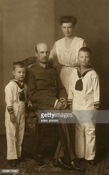 Frederick Francis IV Grand Duke of MecklenburgSchwerin the last Grand Duke of MecklenburgSchwerin born in Palermo with his wife Alexandra of Hanover...