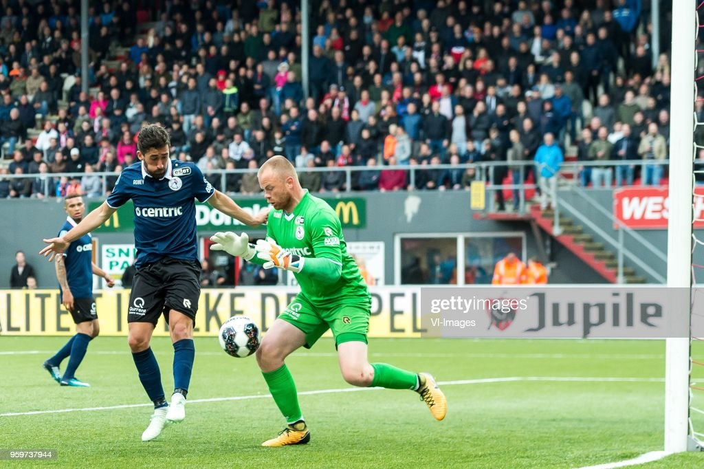 Frederik Holst of Sparta Rotterdam, goalkeeper Leonard Nienhuis of Sparta Rotterdam during the Dutch Jupiler League play-offs final match between FC Emmen and Sparta Rotterdam at the JenS Vesting on May 17, 2018 in Emmen, The Netherlands