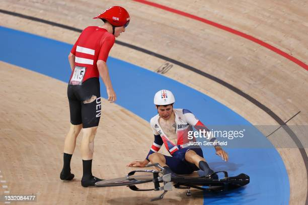 Frederik Madsen of Team Denmark takes down Charlie Tanfield of Team Great Britain during the Men´s team pursuit first round, heat 4 of the Track...