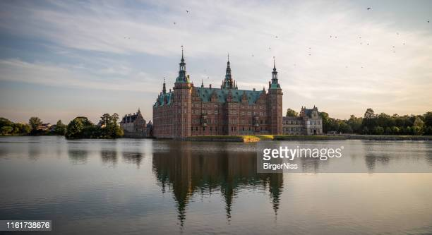 frederiksborg castle, hillerød, denmark - frederiksborg castle stock pictures, royalty-free photos & images