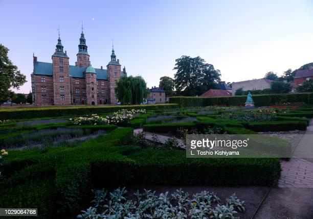 frederiksborg castle in copenhagen, denmark - hillerod stock pictures, royalty-free photos & images