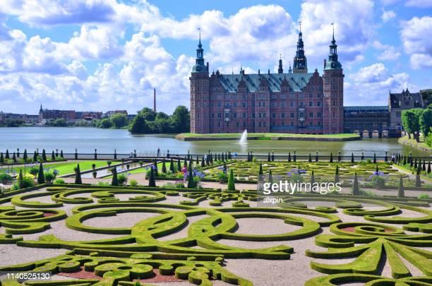 frederiksborg castle in hillerod - frederiksborg castle stock pictures, royalty-free photos & images