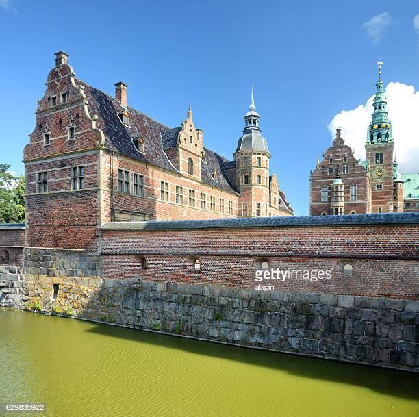 château de frederiksborg - château de frederiksborg photos et images de collection