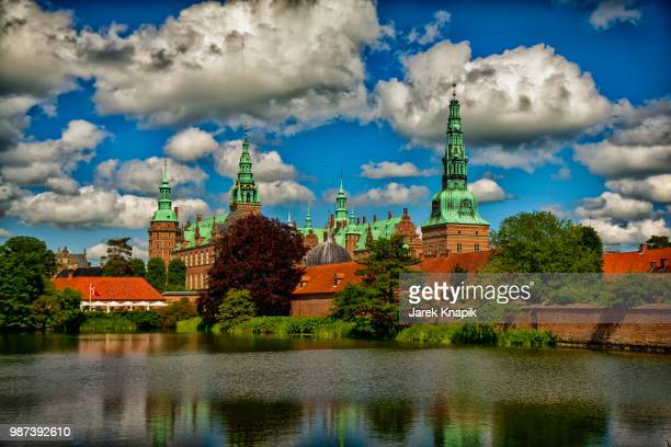 frederiksborg castle - frederiksborg castle stock pictures, royalty-free photos & images