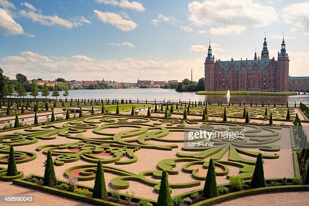 frederiksborg palace and gardens - frederiksborg castle stock pictures, royalty-free photos & images