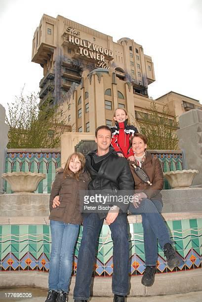 Fredi Bobic Ehefrau Britta Tochter Celine Tochter Tyra neue Attraktion The Hollywood Tower Hotel Disneyland Resort Paris Disney Studios Frankreich...