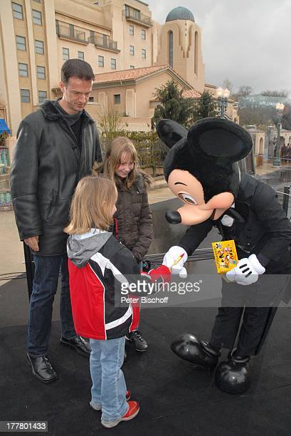 Fredi Bobic Tochter Celine Tochter Tyra Micky Mousse neue Attraktion The Hollywood Tower Hotel Disneyland Resort Paris Disney Studios Frankreich...