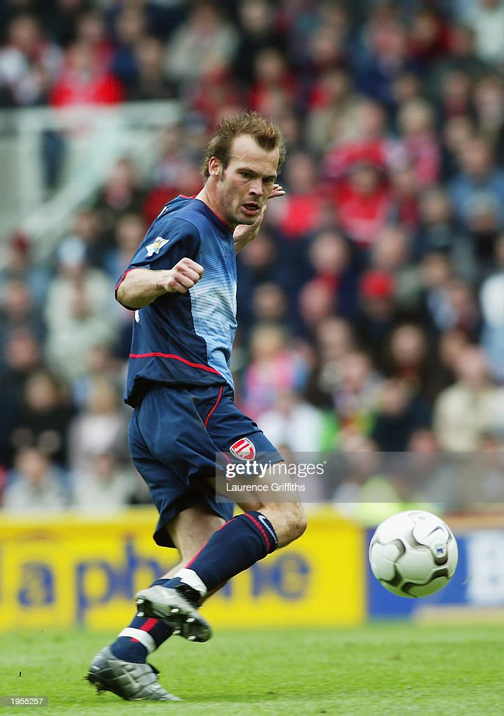 Fredrik Ljungberg of Arsenal takes control of the ball during the FA Barclaycard Premiership match between Middlesbrough and Arsenal held on April 19, 2003 at The Riverside Stadium in Middlesbrough, England. Arsenal won the match 2-0.