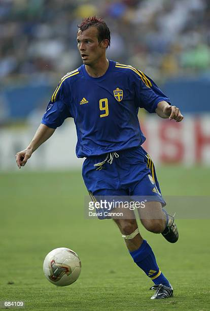 Fredrik Ljungberg of Sweden in action during the second half of the Sweden v Nigeria Group F World Cup Group Stage match played at the Kobe Wing...
