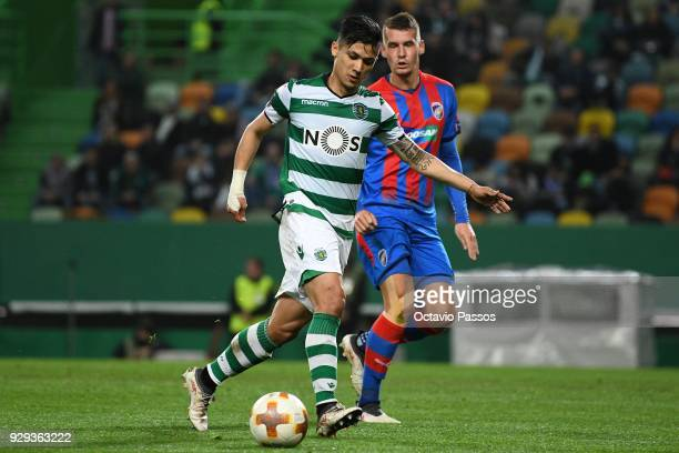 Fredy Montero of Sporting Lisbon shoot and scores the first goal during the UEFA Europa League Round of 16 first leg match between Sporting Lisbon...