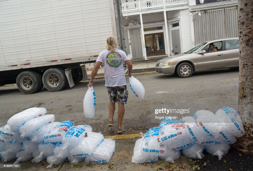 Florida Keys Remain Without Basic Utilities After Direct Hit From Hurricane Irma : News Photo