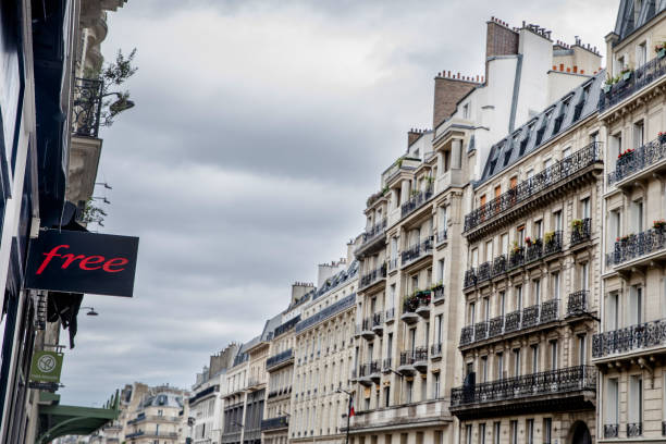 FRA: Free Stores as Billionaire Xavier Niel Takes Phone Company Private
