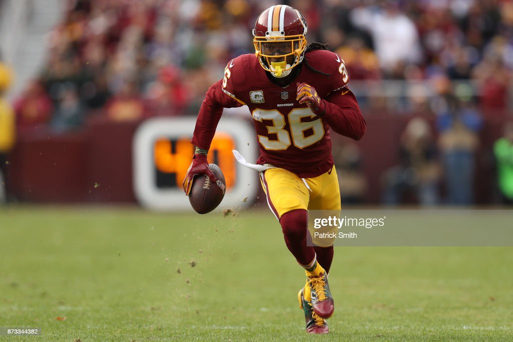 Minnesota Vikings v Washington Redskins : News Photo