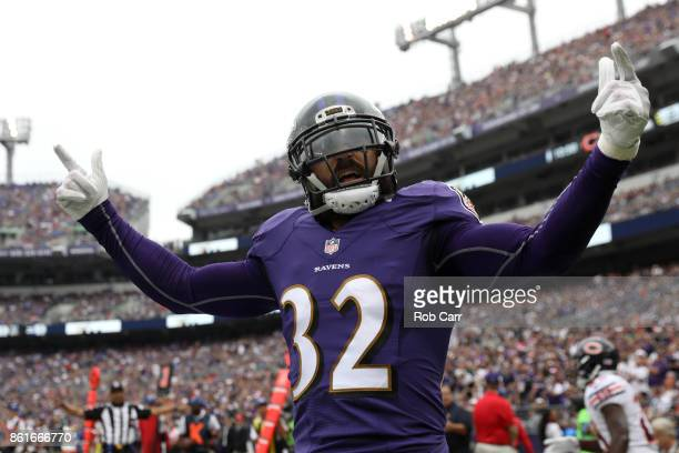 Free Safety Eric Weddle of the Baltimore Ravens reacts after a play against the Chicago Bears at MT Bank Stadium on October 15 2017 in Baltimore...