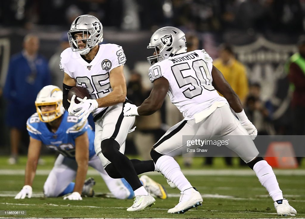 Los Angeles Chargers vOakland Raiders : News Photo