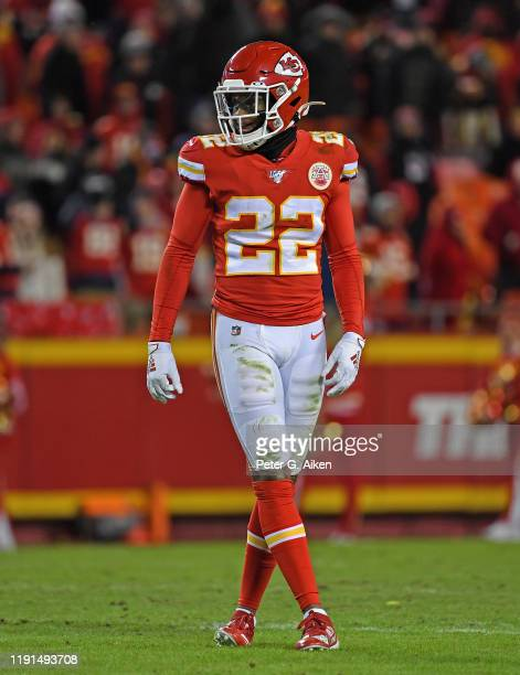 Free safety Juan Thornhill of the Kansas City Chiefs gets set on defense against the Oakland Raiders during the second half at Arrowhead Stadium on...