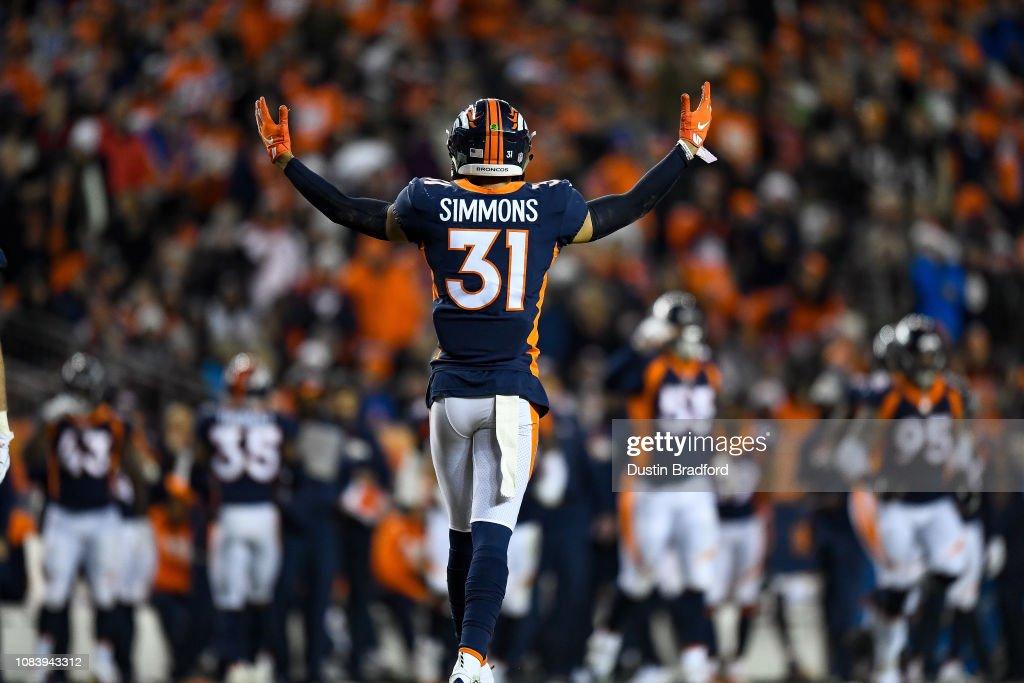 Cleveland Browns v Denver Broncos : News Photo