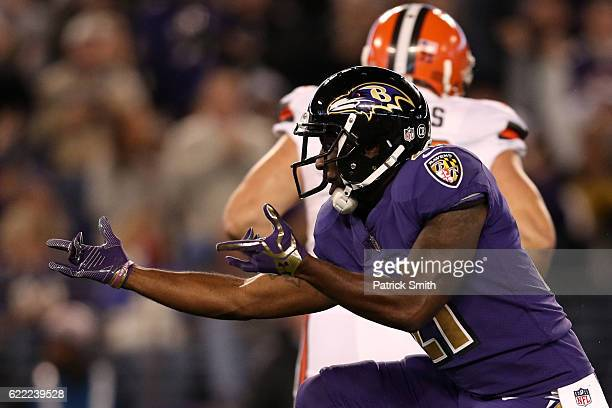 Free safety Lardarius Webb of the Baltimore Ravens celebrates after a sack in the first quarter against the Cleveland Browns at M&T Bank Stadium on...