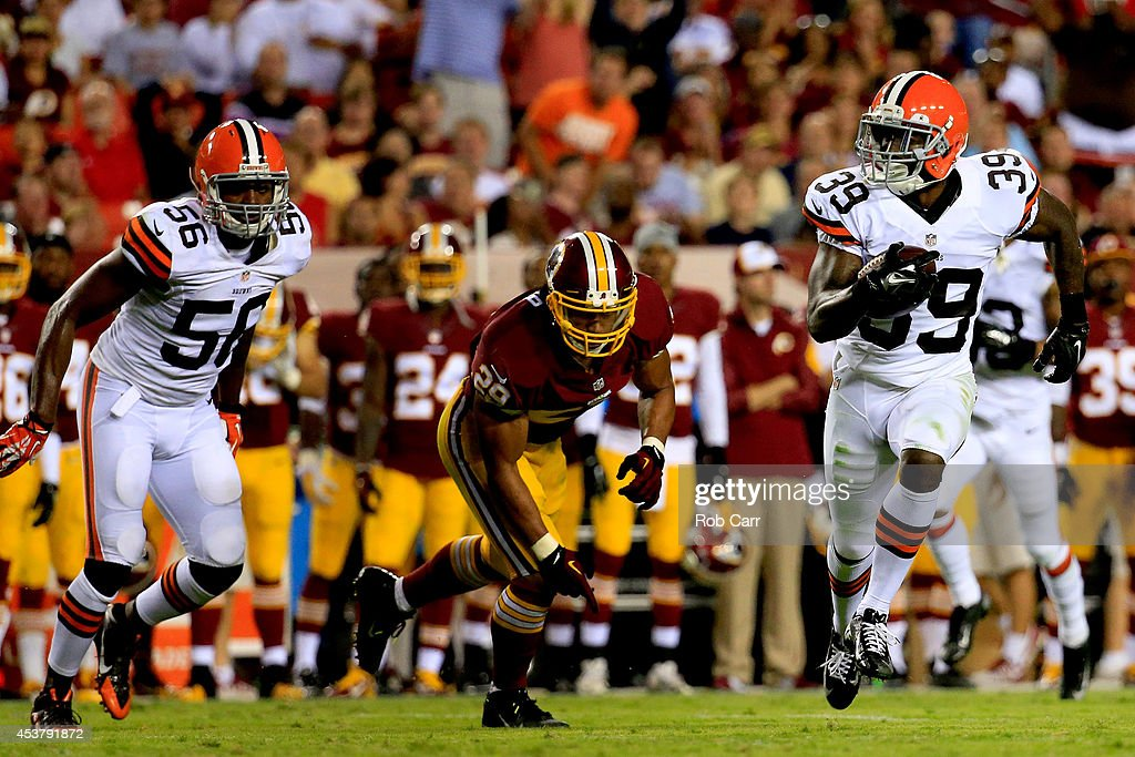 Cleveland Browns v Washington Redskins : News Photo