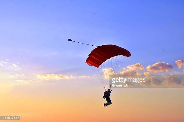 free to fly - fallschirm stock-fotos und bilder