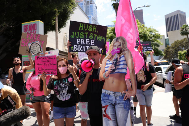 CA: #FreeBritney Rally In Los Angeles During Conservatorship Hearing