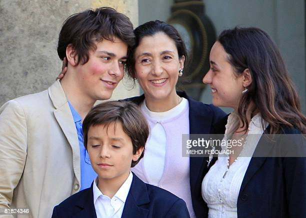 Freed hostage FrenchColombian politician Ingrid Betancourt poses with her son Lorenzo Delloye her nephew Stanislas and her daughter Melanie Delloye...