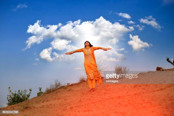 freedom in desert ! - salwar kameez stock pictures, royalty-free photos & images