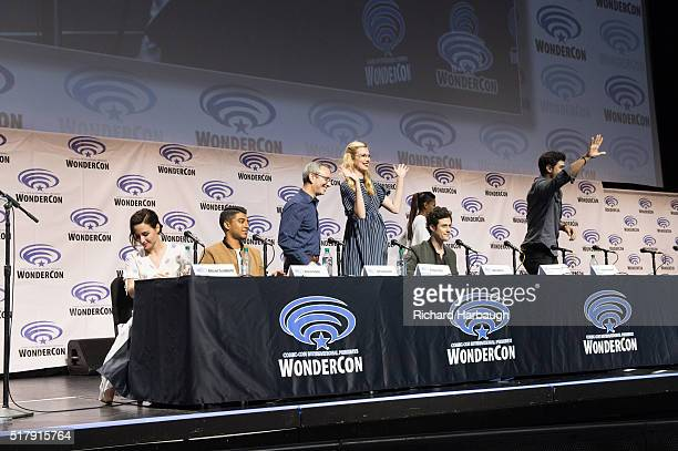 """Freeform gave fans the opportunity to get exclusive access to the casts of their shows """"Shadowhunters"""" and """"Stitchers"""" on March 25 at WonderCon in..."""