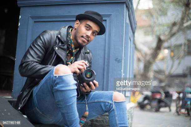 freelance photographer - 20 29 years stock pictures, royalty-free photos & images
