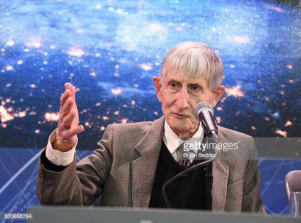 Freeman Dyson Emeritus Professor Princeton Institute for Advanced Study speaks on stage as Yuri Milner and Stephen Hawking host press conference to...