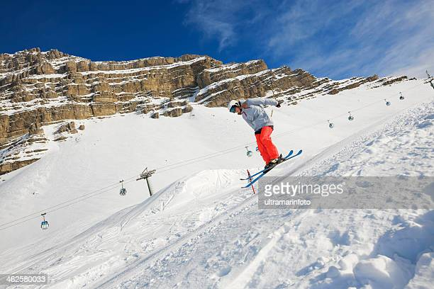スキージャンプ、フリースタイル - マドンナディカンピリオ ストックフォトと画像