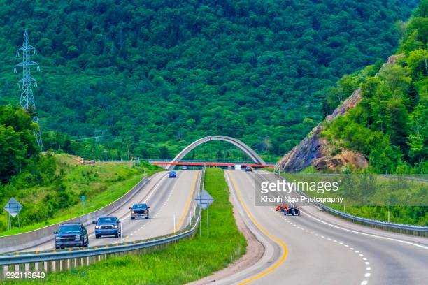 freeway in quebec, canada - khanh ngo stock pictures, royalty-free photos & images