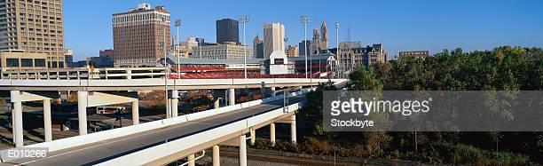 freeway stretching towards buffalo, ny - ニューヨーク州バッファロー市 ストックフォトと画像