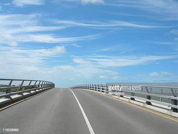 estrada para o céu - grade de proteção - fotografias e filmes do acervo