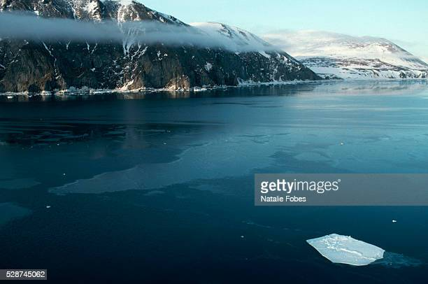 freezing waters of bering sea near russia's chukotka peninsula - bering sea stock pictures, royalty-free photos & images
