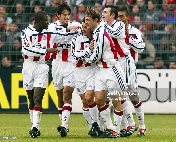 1 BUNDESLIGA 01/02 Freiburg SC FREIBURG FC BAYERN MUENCHEN 02 JUBEL BAYERN