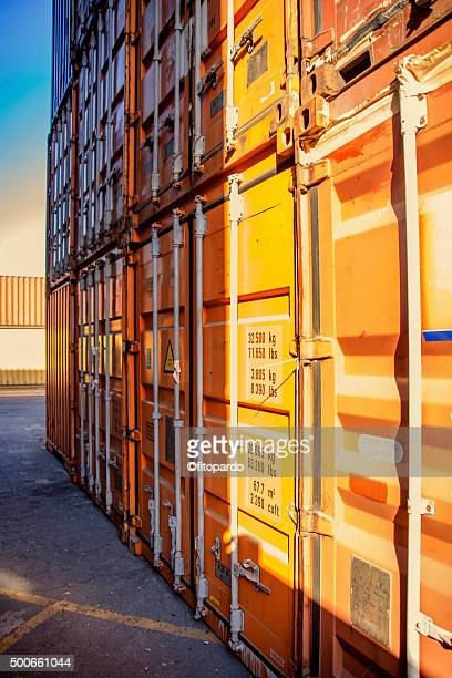 Freight containers, intermodal container