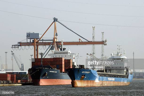 Freight ship is unloaded at Antwerp port on October 17, 2006 in Antwerp, Belgium. The port is the 4th largest in the world, and handled over 83...