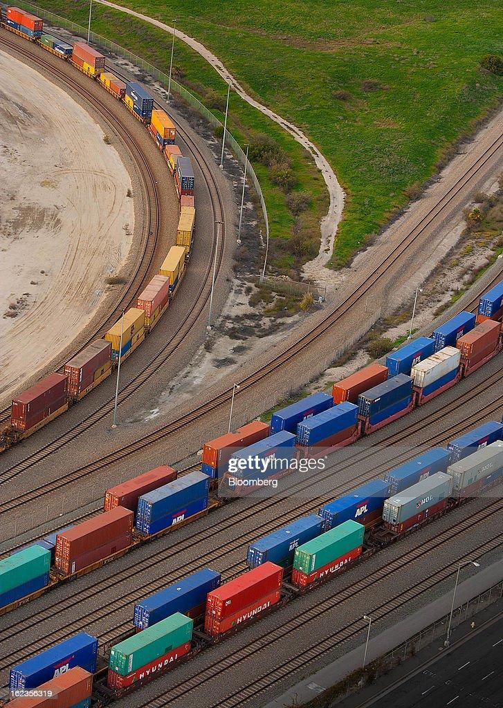 Aerial Views Of The $2.4 Billion Alameda Corridor Rail Cargo Expressway Project : News Photo