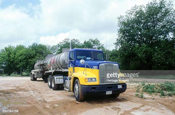 Freightliner tanker truck 2000