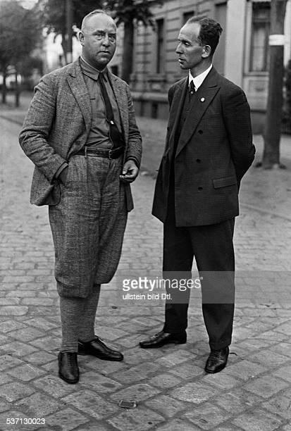 Freisler Roland Jurist Politiker D 19421945 Praesident des Volksgerichtshofes mit Gregor Strasser den er als Anwalt vertrat 1930