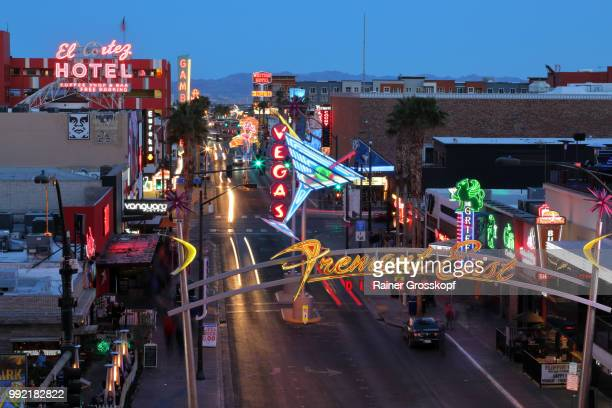fremont street in downtown las vegas at night - rainer grosskopf stock pictures, royalty-free photos & images