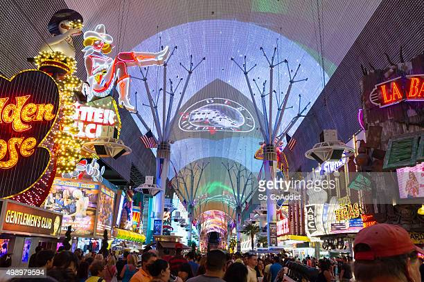 fremont street las vegas - fremont street las vegas stock pictures, royalty-free photos & images