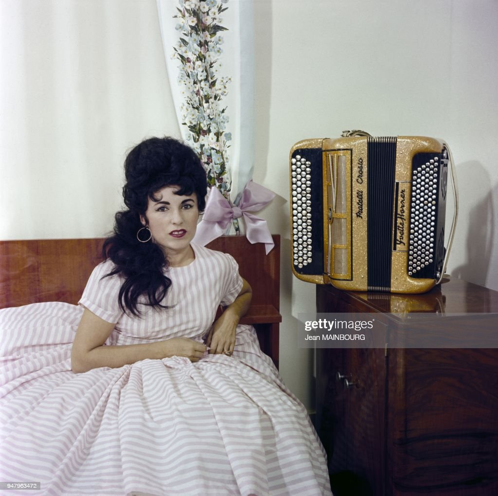 French accordion player Yvette Horner... : Photo d'actualité