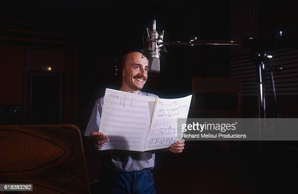 French actor and singer Michel Blanc records songs for his album. His 1985 single is titled Le Mec Plus Ultra.