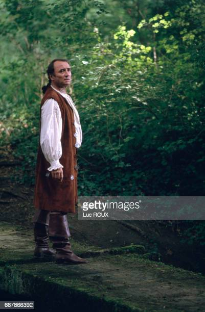 French actor Claude Brasseur on the set of the film Dandin, directed by Roger Planchon.