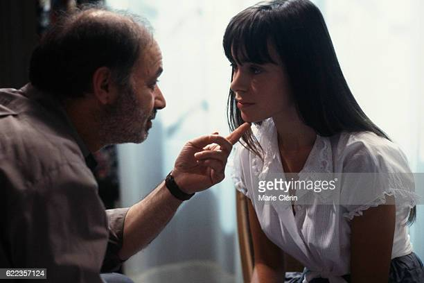 French actor director screenwriter and producer Claude Berri and actress Elodie Bouchez on the set of Stan the Flasher directed by singer songwriter...