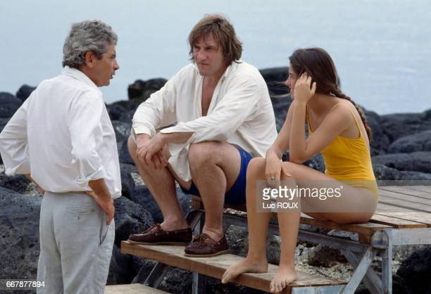 French actor Gerard Depardieu and Belgian actress Marie Gillain with director and screenwriter Gerard Lauzier on the set of his movie Mon pere ce...